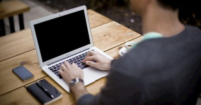 8 Online Writing Tools for College Students (1)